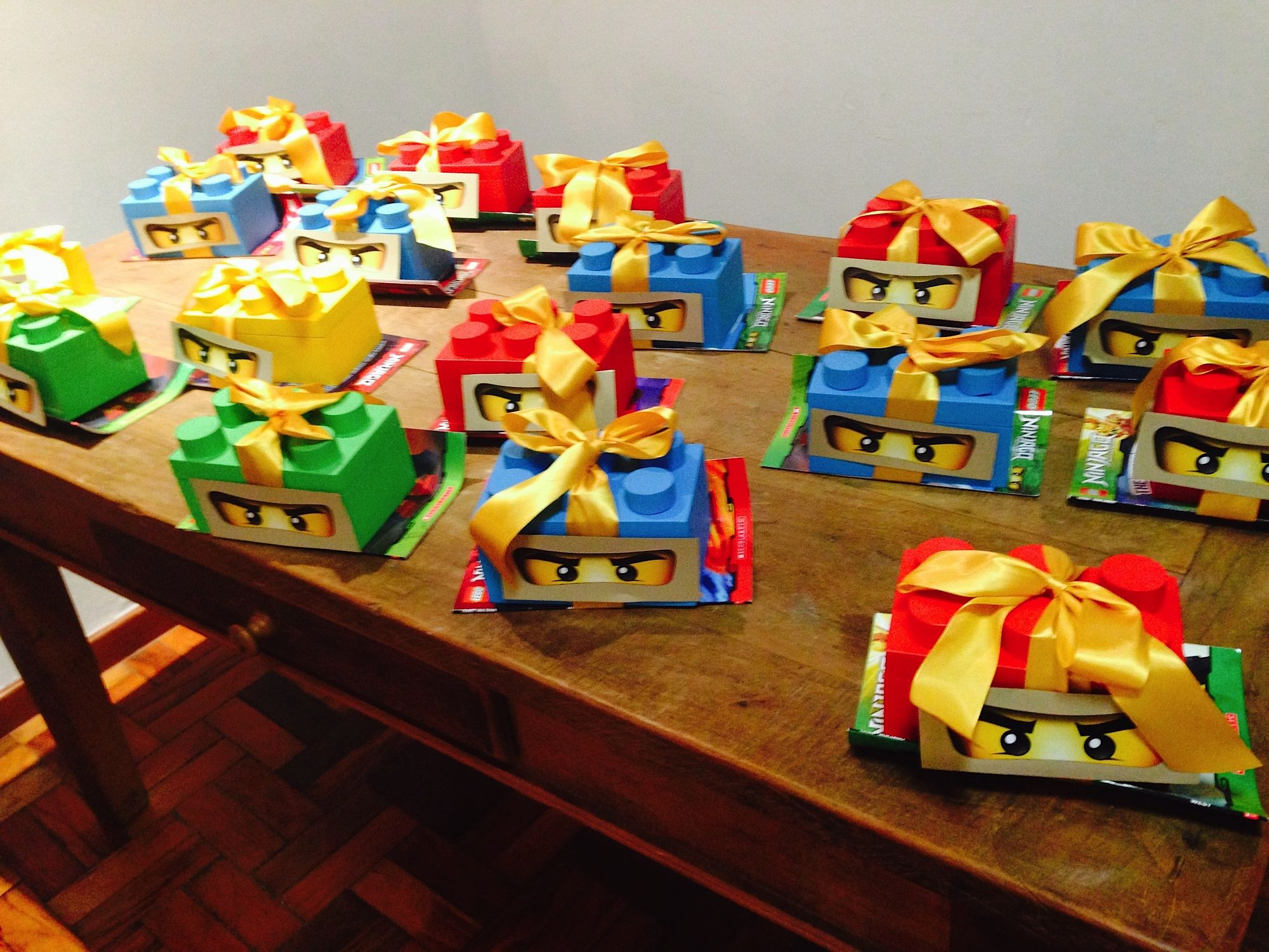 Lego ninjago party favors lego party otto pinterest for Decoration ideas 7th birthday party