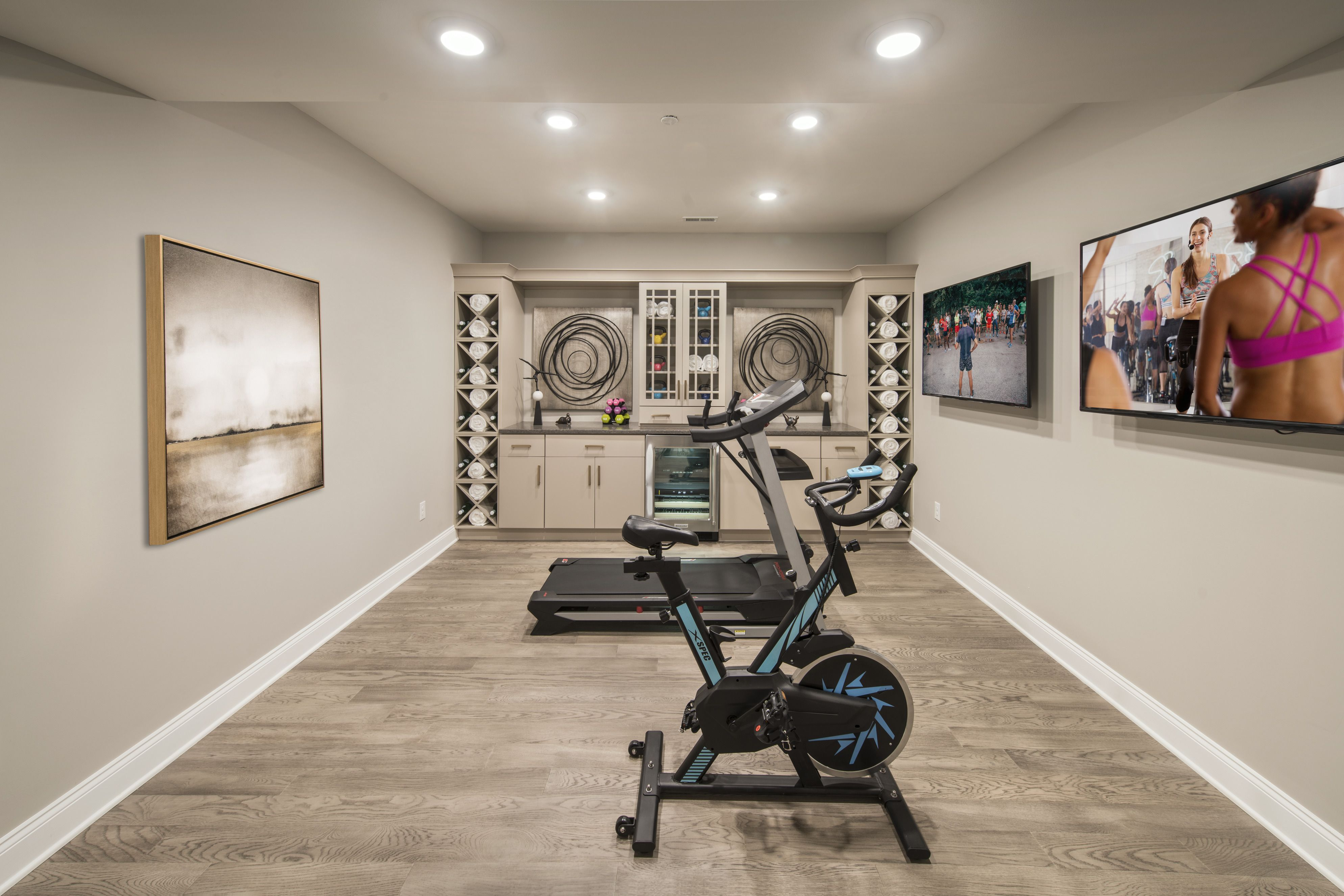 Workout Whenever You Please With A Home Gym That S Entirely Your Own Pictured Above Great Valley Cr Home Gym Flooring Gym Room At Home Building A Home Gym