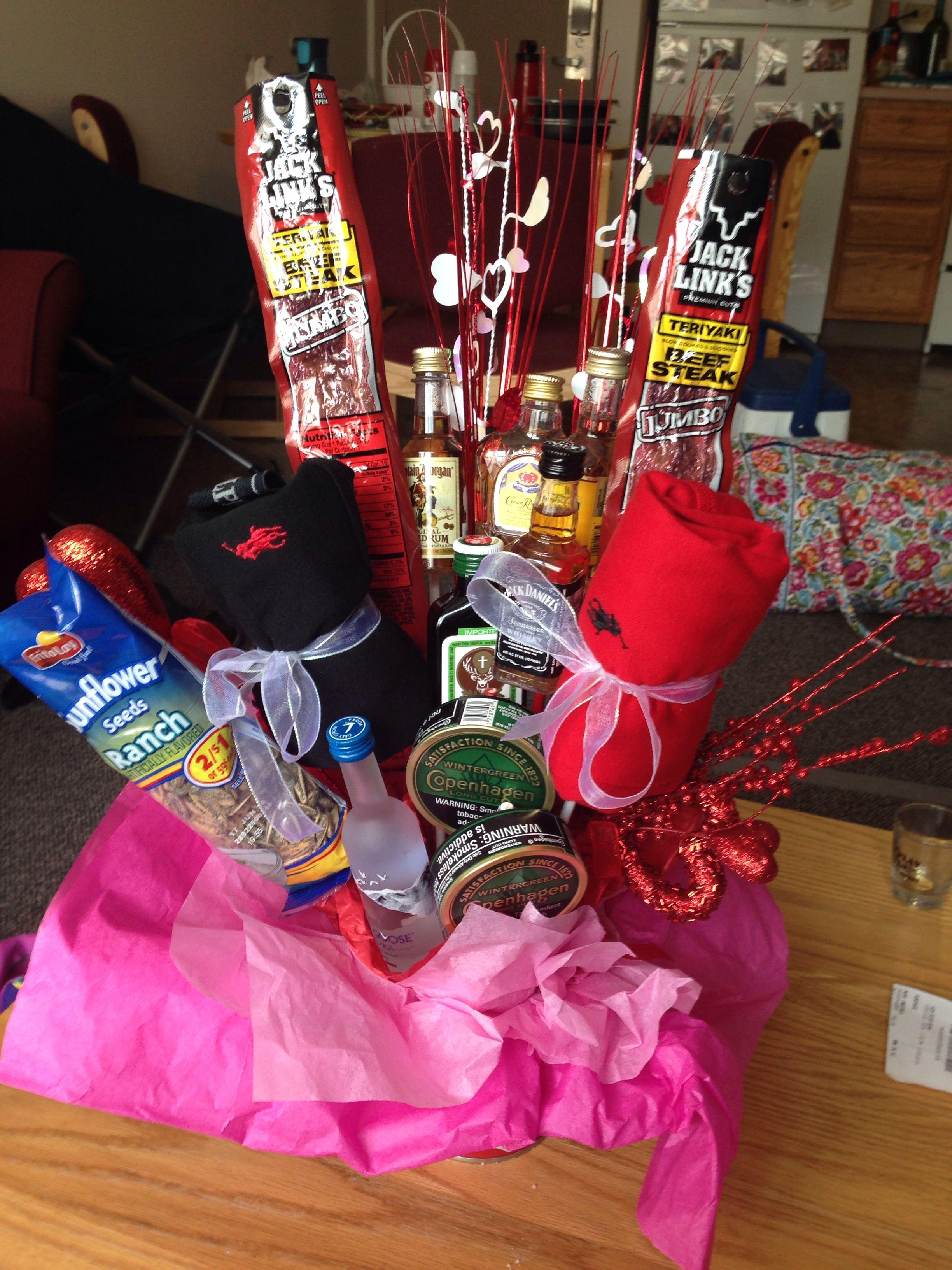 DIY boyfriend gift liquor bouquet valentines day anniversary cute ...