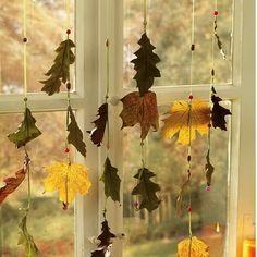 Móbile de folhas secas