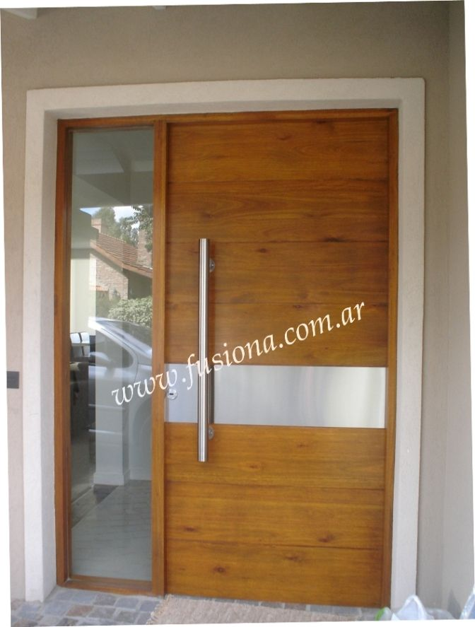 S003 puerta de madera con franja de acero inoxidable for Puertas de entrada de casas modernas