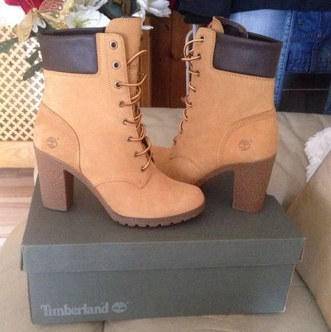 natural glancy 6 inch, part of the womens timberland boots range available  at schuh