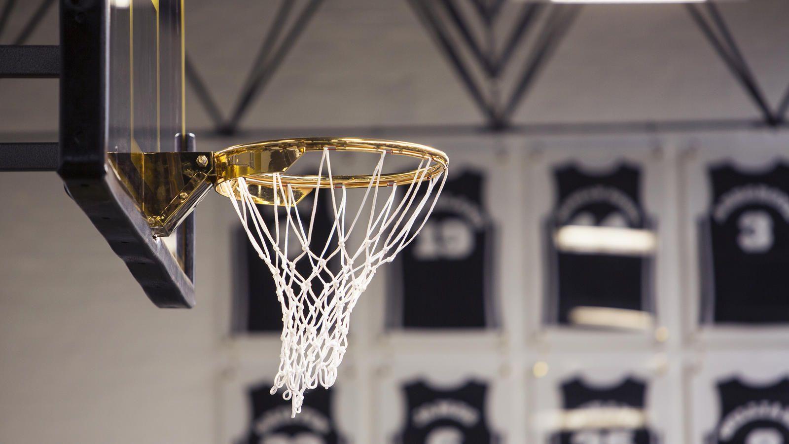 economico in vendita risparmia fino all'80% qualità superiore Nike Launches 'The Regal' Basketball Court in 2020 | Indoor ...