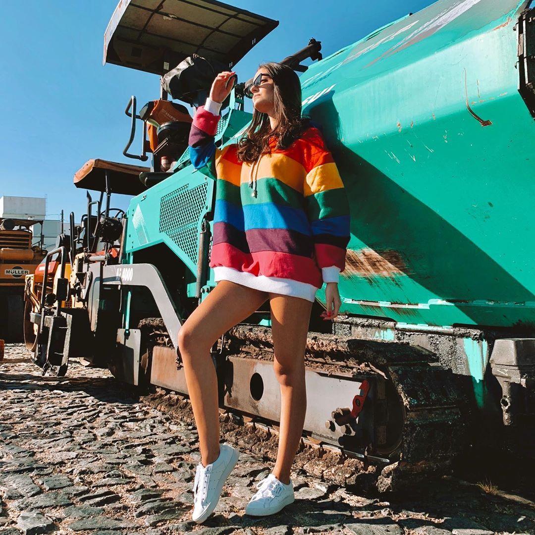 "P I E T R A on Instagram: ""•𝕔𝕠𝕝𝕠𝕣𝕤• . . . #lookoftheday #lookdodia #colors #moda #instadaily #instagood #instaphoto #moletom #rainbow"""