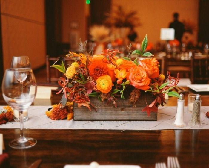 Herbst tischdeko idee blumen festlich blumen hochzeit for Tischdekoration festlich