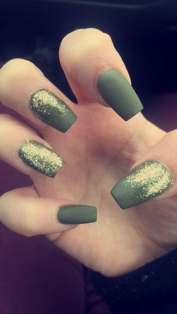 Colores lisos en uñas y una destacada con brillo | Nail Art ...