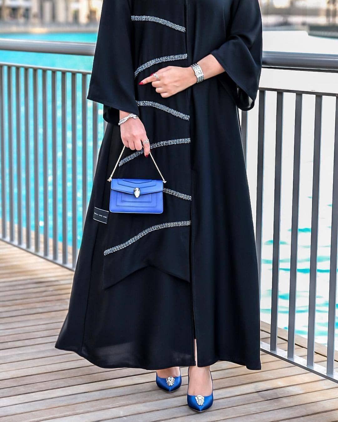 Repost Elegant Boutique With Instatoolsapp E21 عباية سودا مع كحلي مع شك Subhanabayas Fashionblog L Abaya Fashion Dubai Abaya Fashion Abayas Fashion