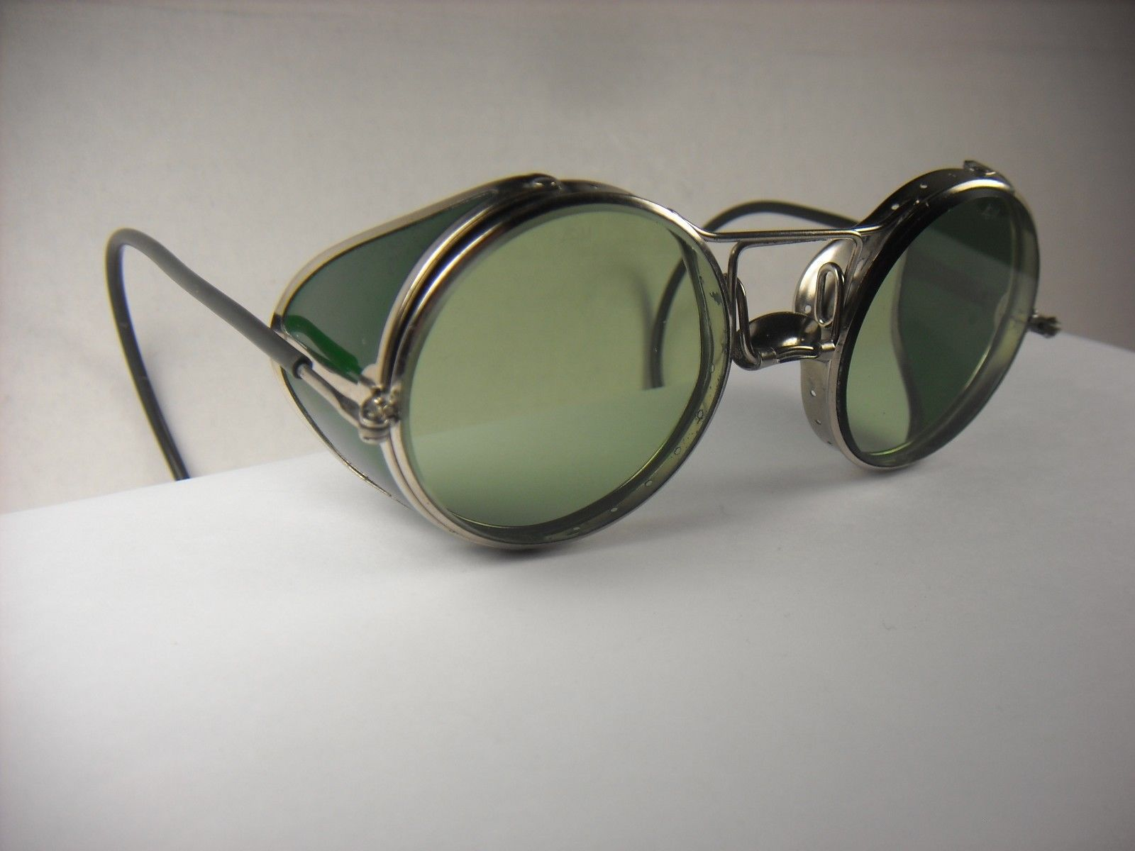 eac10199f67 Vintage AO safety glasses. Nice! Green lens   side shields. Steampunk  goggles.