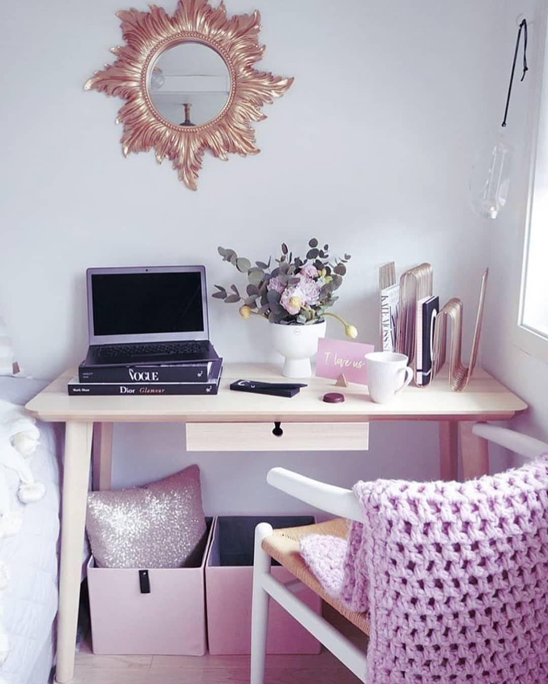 Cozy Homeoffice Decor: Adorable Little Desk Nook . . . . #desklifebliss