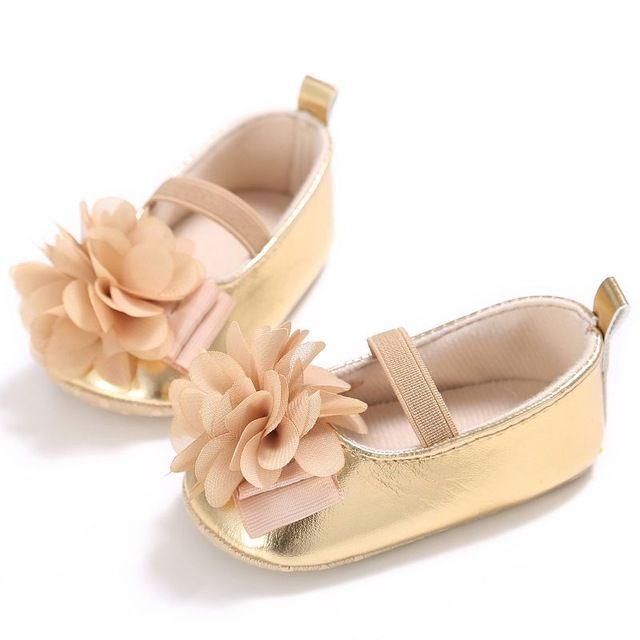 b2c89ee5c8 Bebê recém-nascido Menina mocassins PU Macio Com Solado de Sapatos de bebê  Flor rosa de Algodão Sapatos Da Criança Infantil Primeira Walker Para O Bebê  0-18 ...