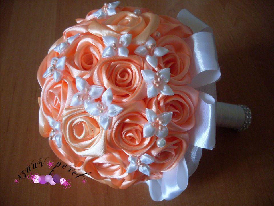 Подобрать букет для невесты из атласных лент розы, этикет количество цветов