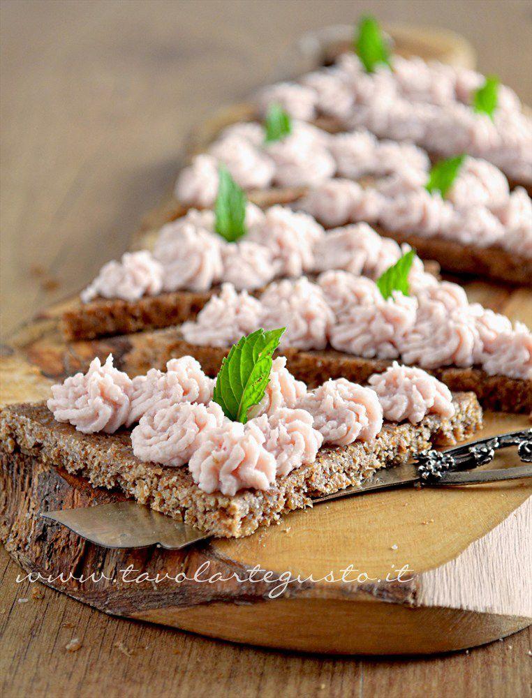 Patè di prosciutto su pane PEMA di segale integrale - Tavolartegusto.it