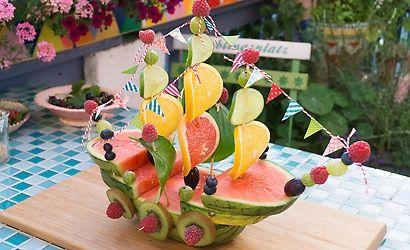 Ahoi wir setzen die sommersegel schlaraffenland - Gartenparty essen ...