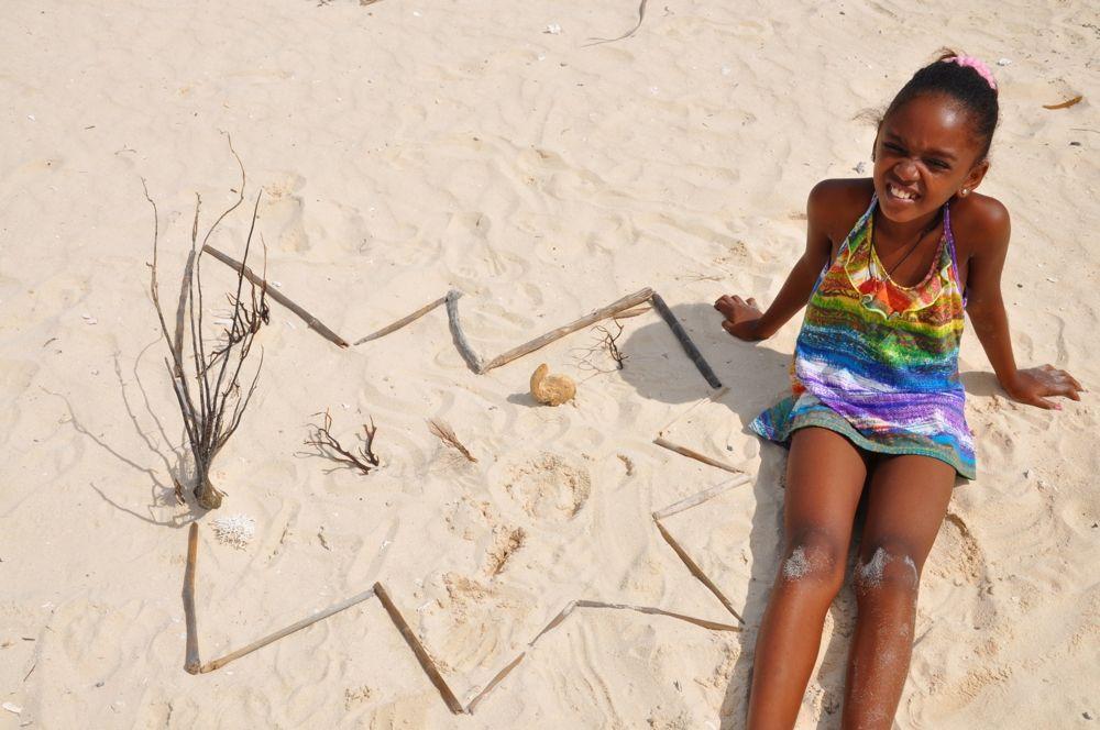 Creative with sand on a beach on Bonaire  http://sandmessage.tictail.com