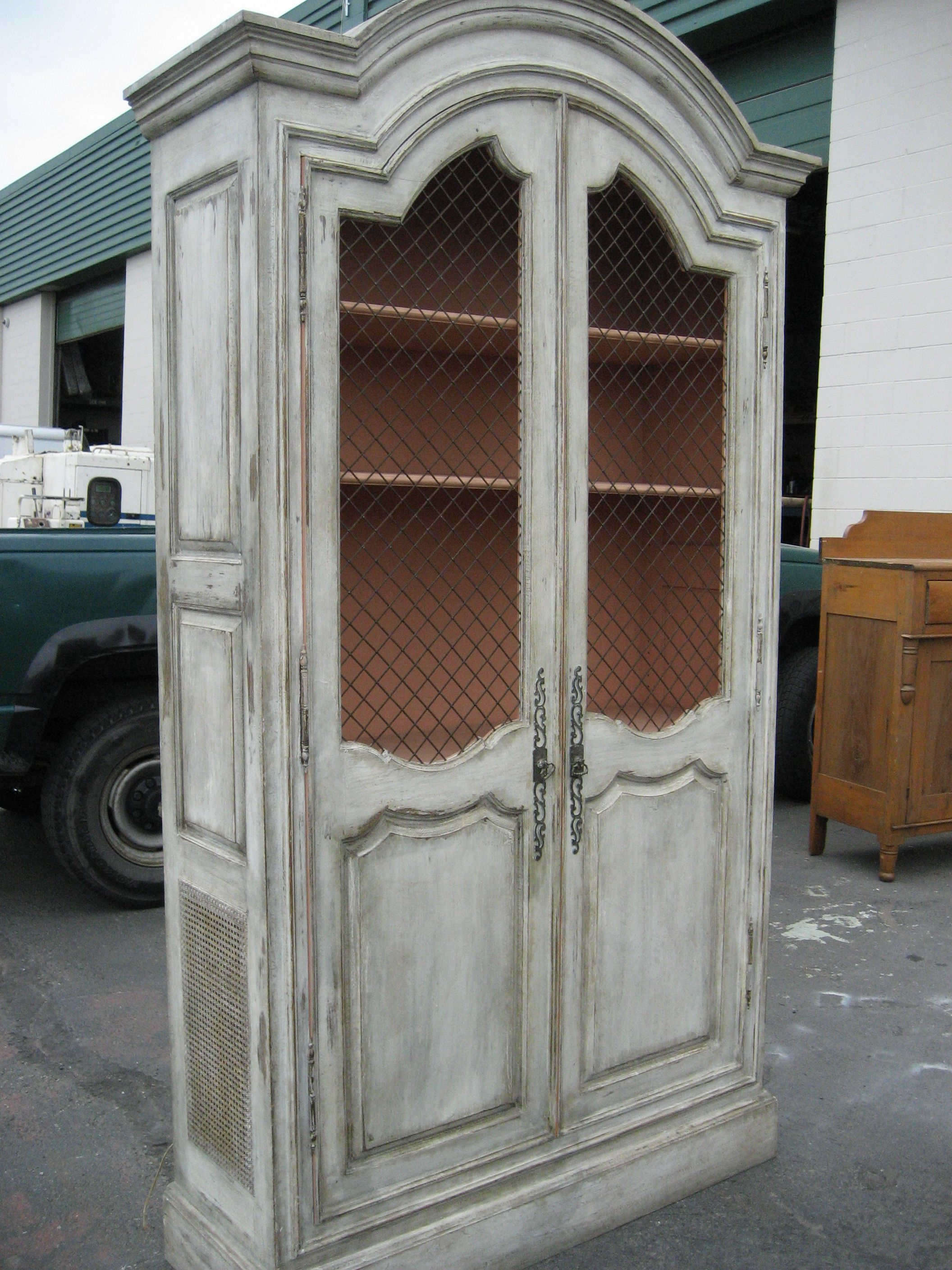 Superieur Armoir Distressed White. Do I Want To Distress My Church Pews White? Paint  Them
