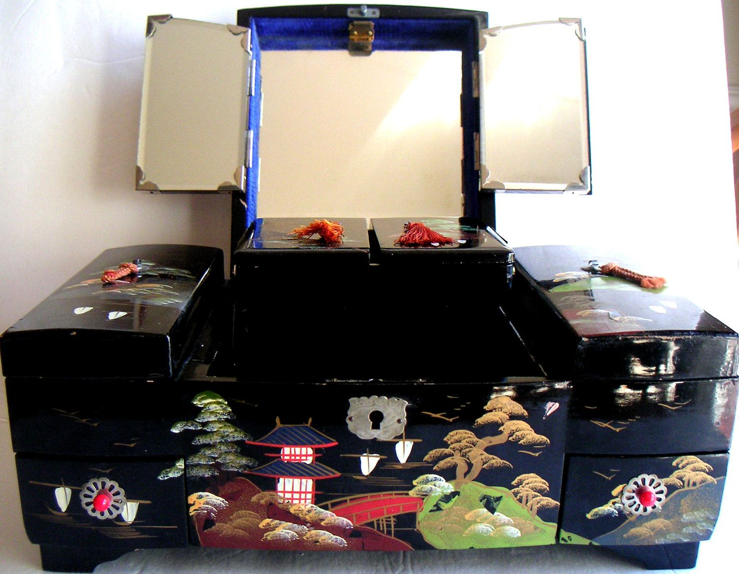 black lacquer japanese jewelry box Google Search Stylin my