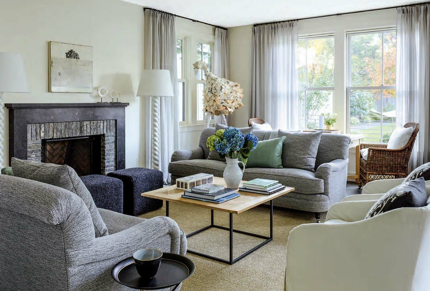 Warm and inviting farmhouse stye home in the San Francisco Bay Area is part of Traditional Warm Living Room - Designed by Feldman Architecture, this farmhouse style home mixes traditional styles with clean lines, located in Palo Alto, a city in California's San Francisco Bay Area
