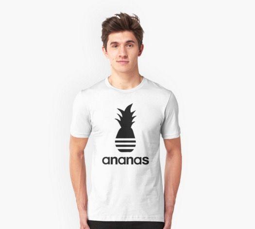 'Ananas parody logo' T-Shirt by knappidesign