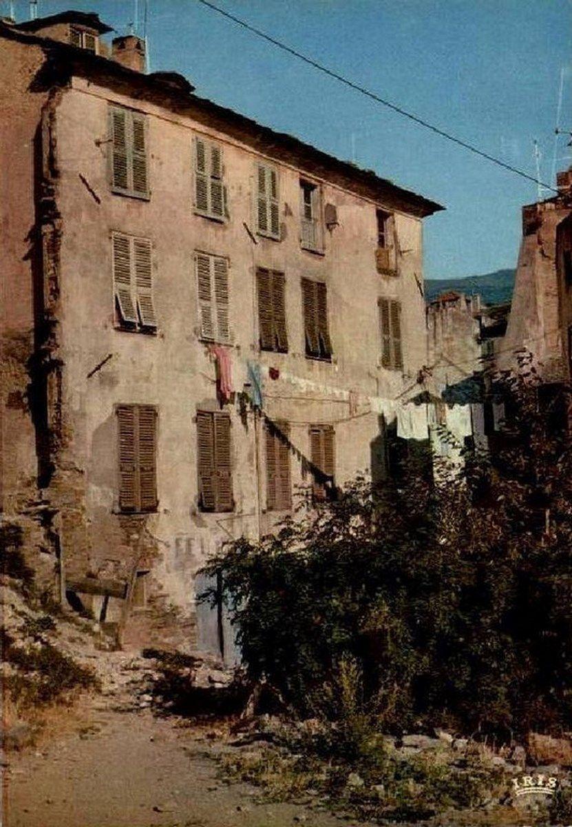 Rue Des Mulets 01 Avec Images Bastia Rue Corsica