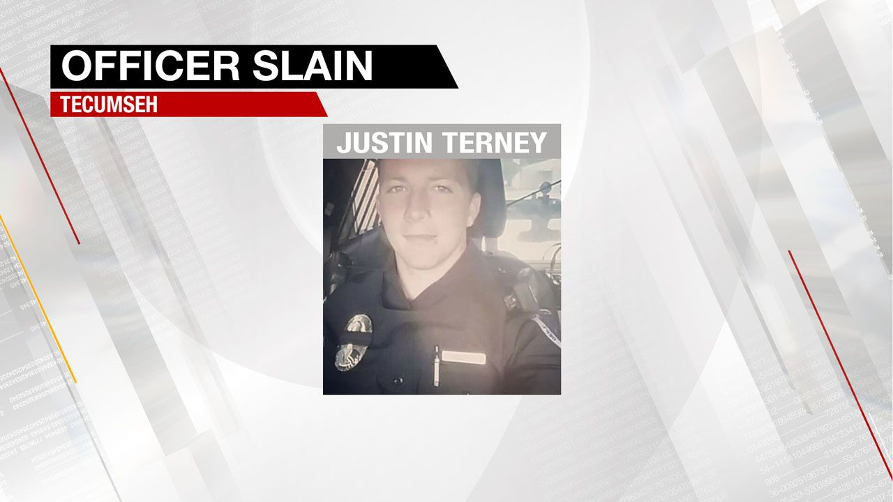 Funeral For Fallen Tecumseh Officer To Be Held Today https://t.co/8frjJqVysp https://t.co/ONRMwBQXbP