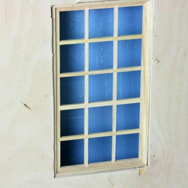 Кромки фанеры остаются видимыми, когда куклы дом окна не предназначены для 1/2-дюймовый фанеры.