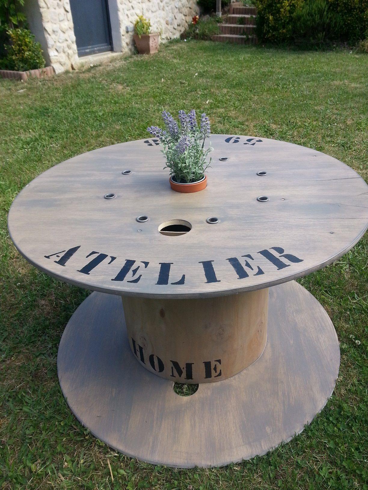 Un touret industriel en contreplaqu relook pour une Table en touret