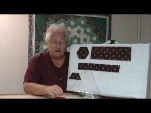 Quilting The Kaye Wood Way - Hexagons - YouTube Cutting hexagones without a template.