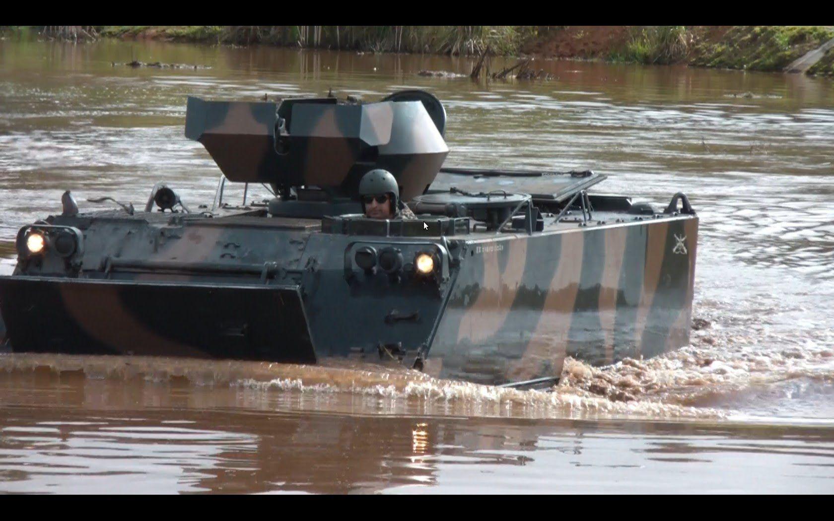 M113 APC - Flutuação - Exército Brasileiro - (FullHD) - panzer