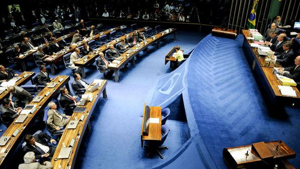 Folha do Sul - Blog do Paulão no ar desde 15/4/2012: CCJ APROVA REGRA QUE OBRIGA GOVERNANTE A RENUNCIAR...
