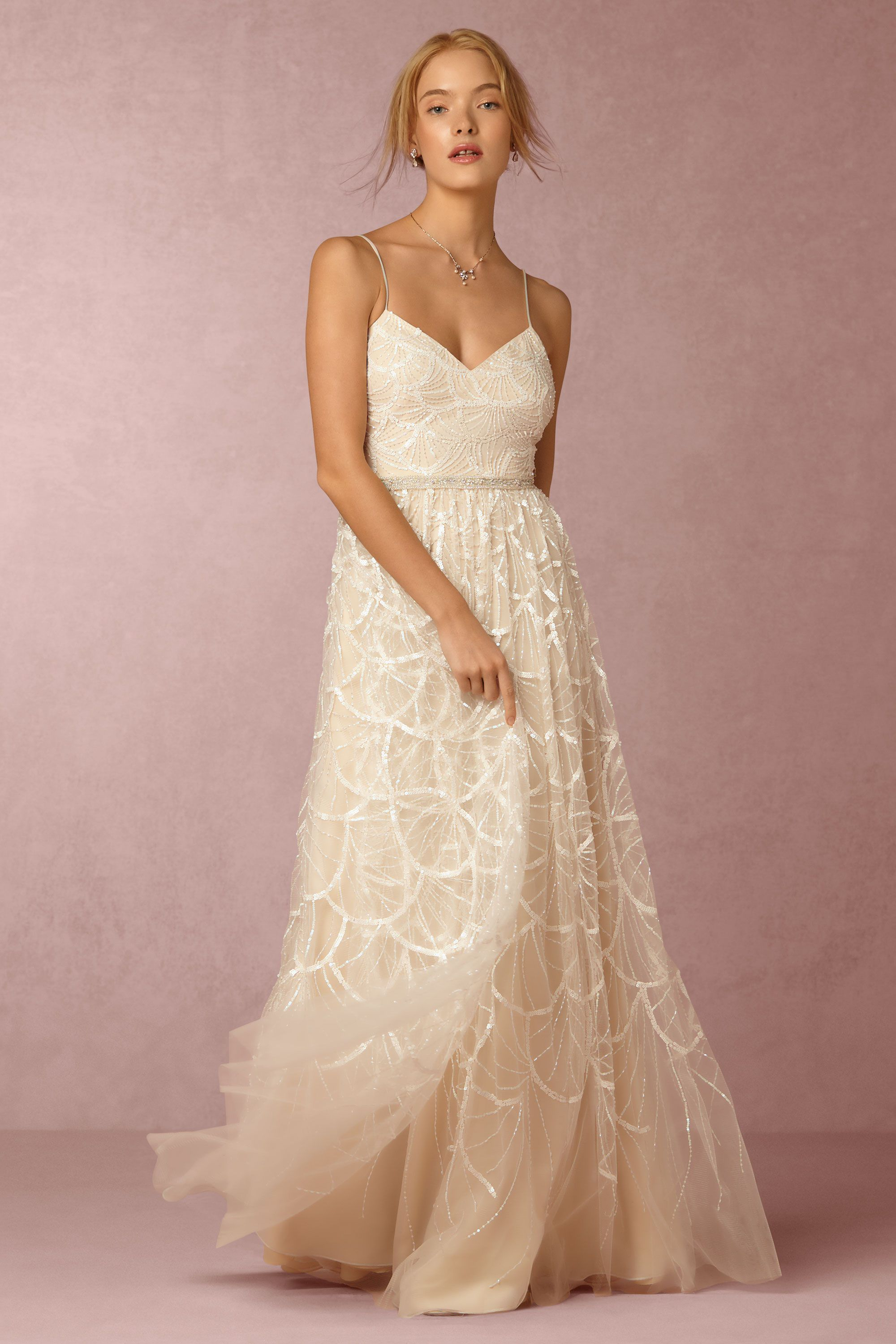 Gorgeous wedding dress love it so ethereal and dreamy noivas