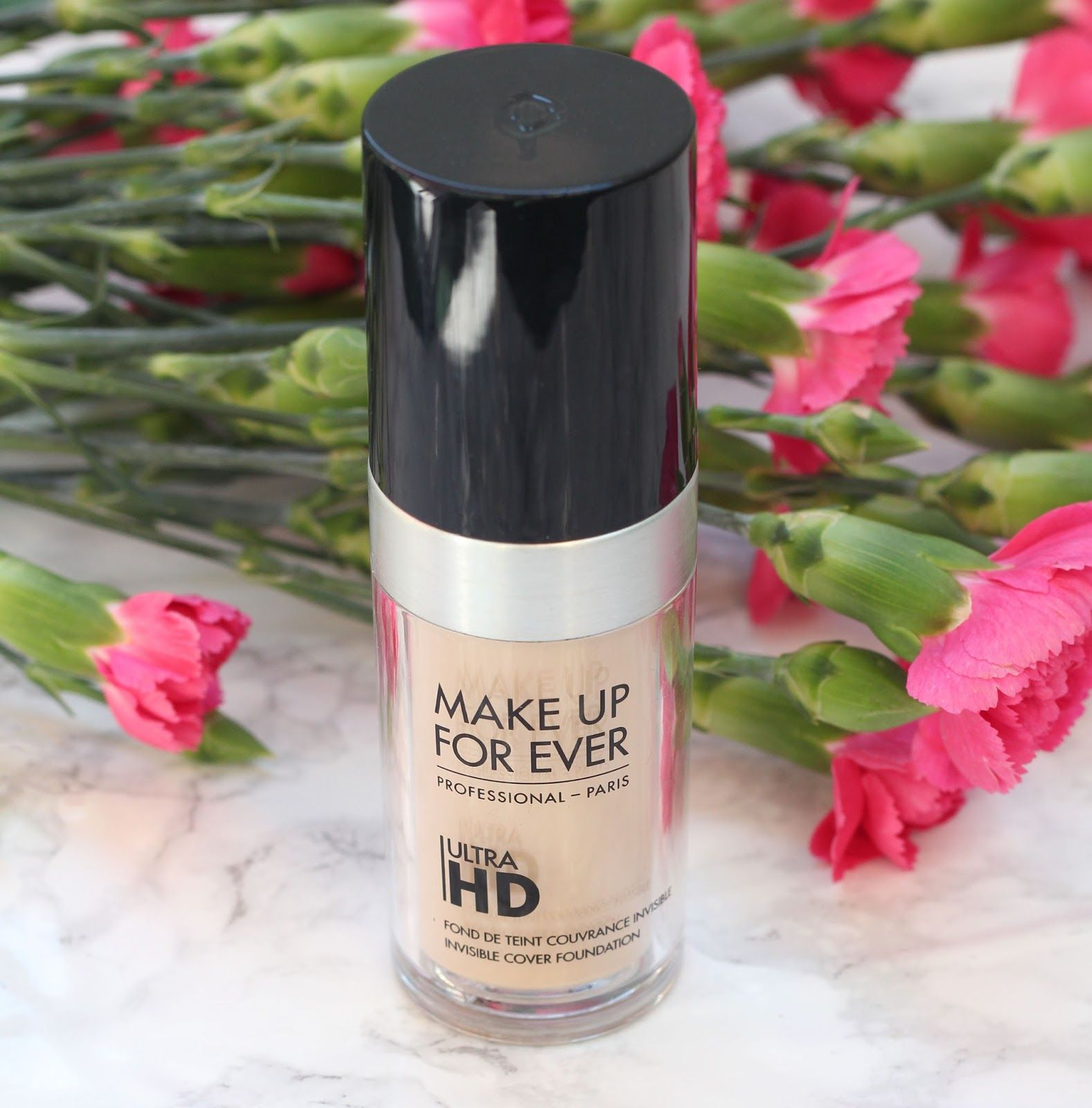 MAKE UP FOREVER Ultra HD Foundation Y235 Makeup