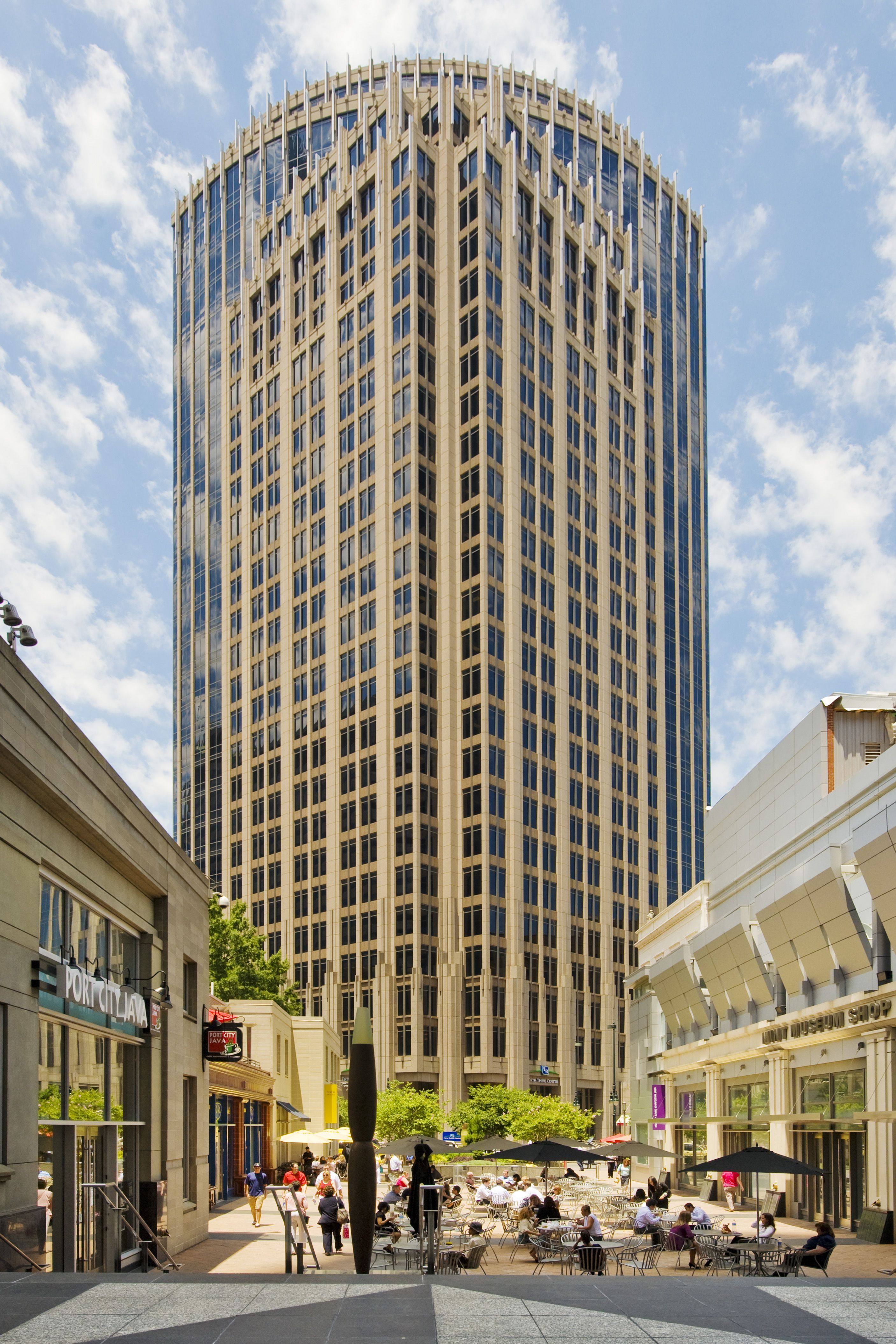 Fifth third center in downtown charlotte nc building