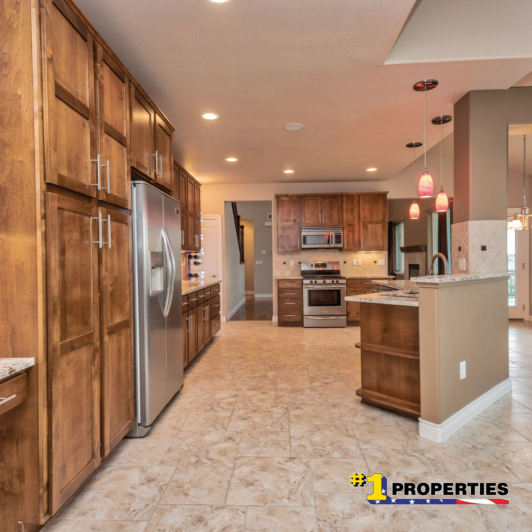 Counters And Cabinets For Days 7482 Huntz Drive Cheyenne Wyoming Cheyennehomes Realestate Househunting Realty Th Kitchen Real Estate Photography Home