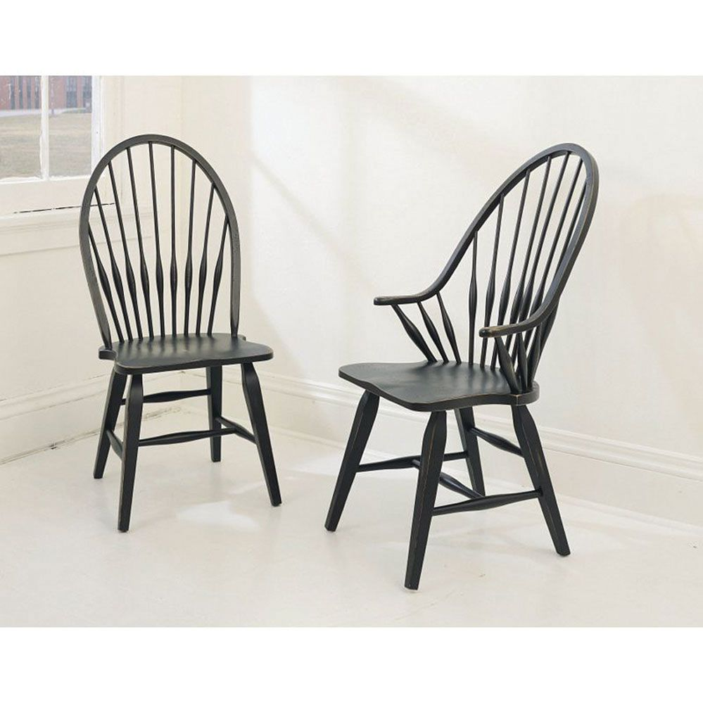 Broyhill Attic Heirlooms Windsor Side Chair In Antique Black Set Of 2 Solid Wood Dining Chairs Windsor Dining Chairs Dinning Room Chairs