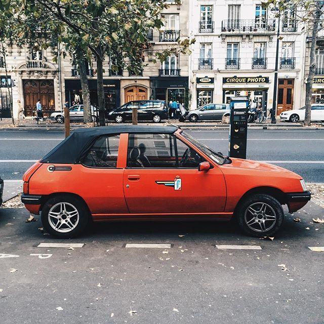 WEBSTA @ vincent.owl - Une époque 🚗 #peugeot #peugeot205 #205 #pininfarina #205pininfarina #redcar #frenchcar #retrocar #vintagecar #80s #90s #monument #cult #igers #igersparis #paris #vsco #vscocam #vscogood