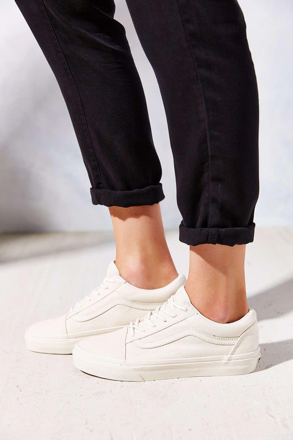 434abf5871 Vans Vansguard Old Skool Reissue California Womens Sneaker - Urban  Outfitters