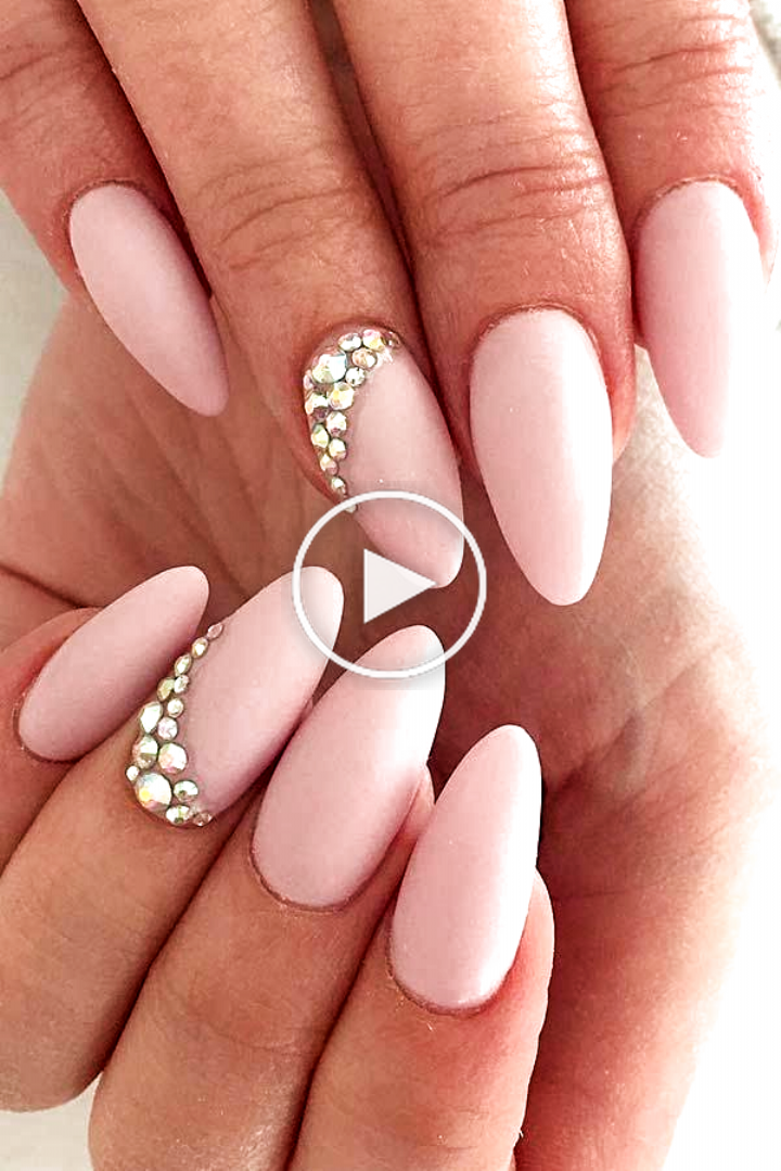 Simple and elegant nude nails by @chikkitas_nails Love the