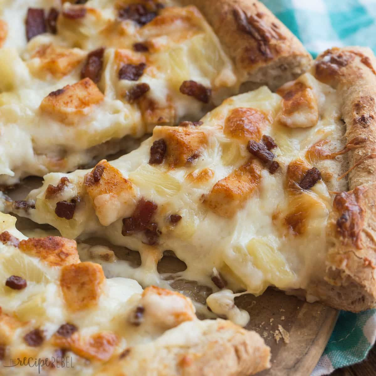 Boston Pizza Copycat Tropical Chicken Pizza Has Alfredo Sauce Spicy Chicken Bacon And Pineapple A Crazy Bu Chicken Pizza Recipes Pizza Recipes Chicken Pizza