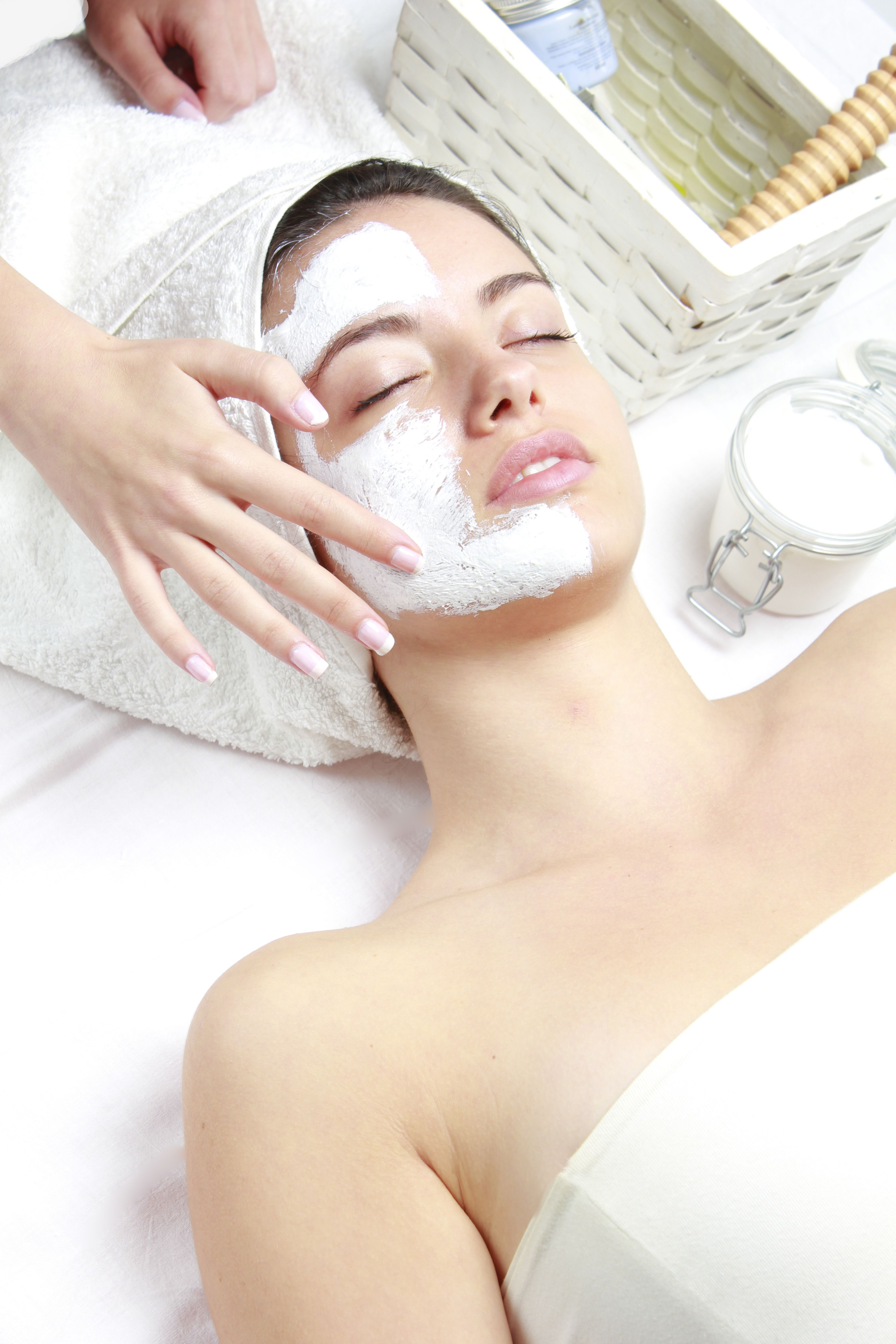 Best Esthetician Schools In The Usa How To Become An Aesthetician Esthetician School Esthetician Facial Spa