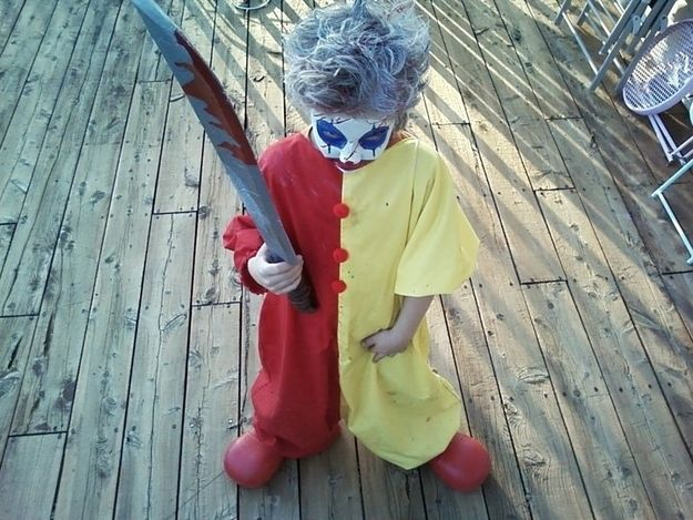 32 Parents Who Nailed It On Halloween Scary Clown Halloween Costume Clown Halloween Costumes Scary Kids Costumes