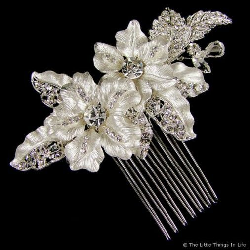 Quirky Wedding Hairstyle: Adrienne Wedding Hair Comb (Silver)