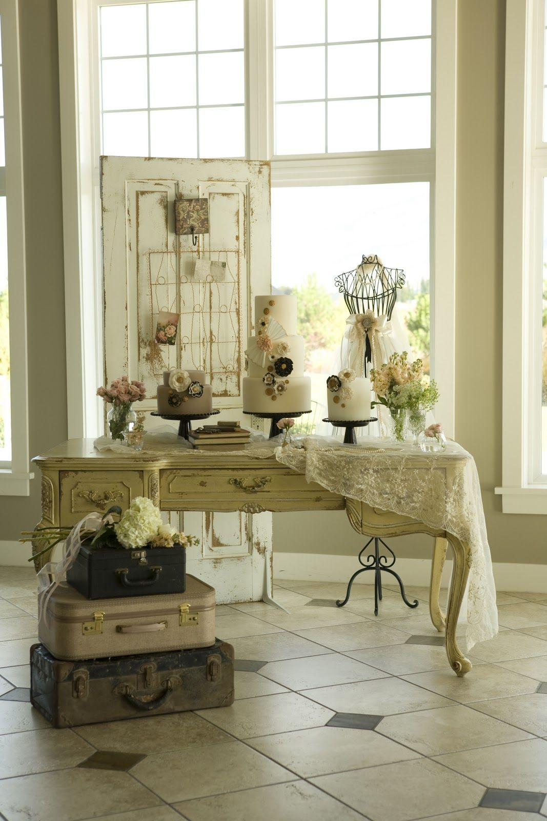♥Love this wedding vignette.  I would use this at the entrance table to hold the guest book and escort cards.