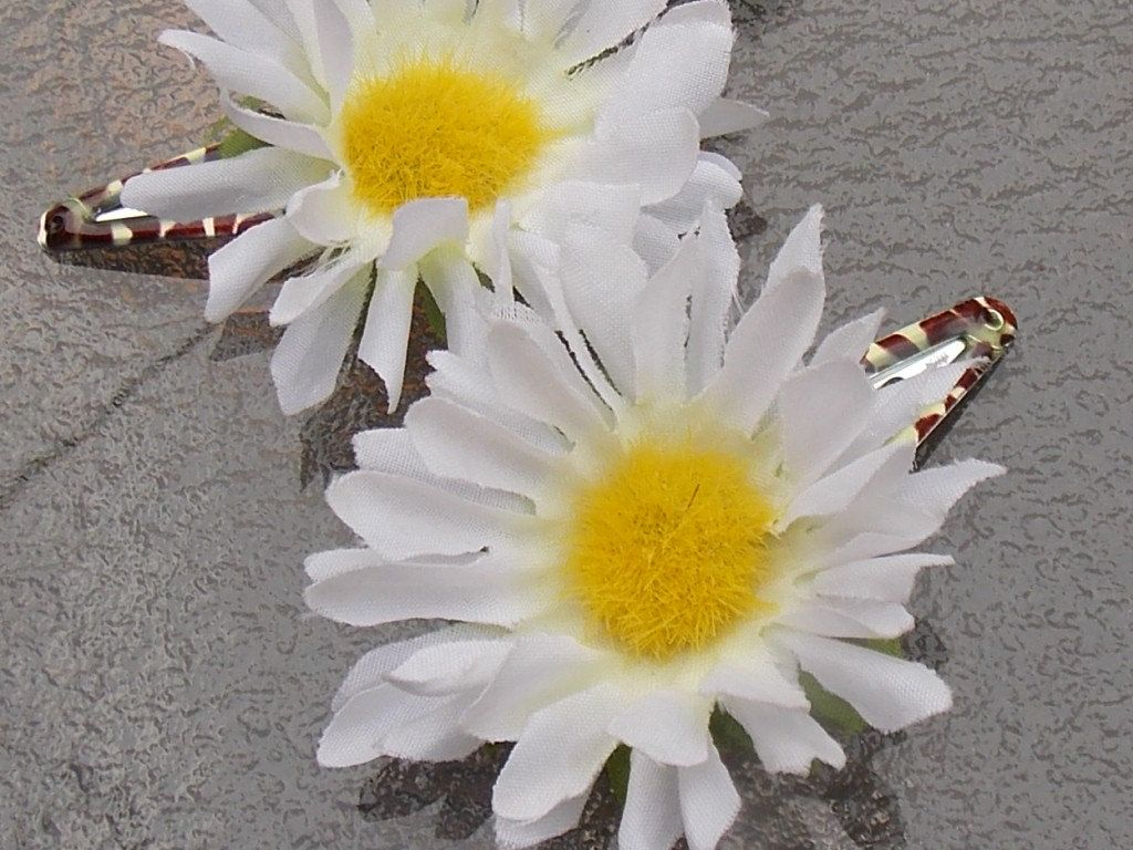 Daisy Hair Clips Daisy Flower Barrettes Yellow And White Flower