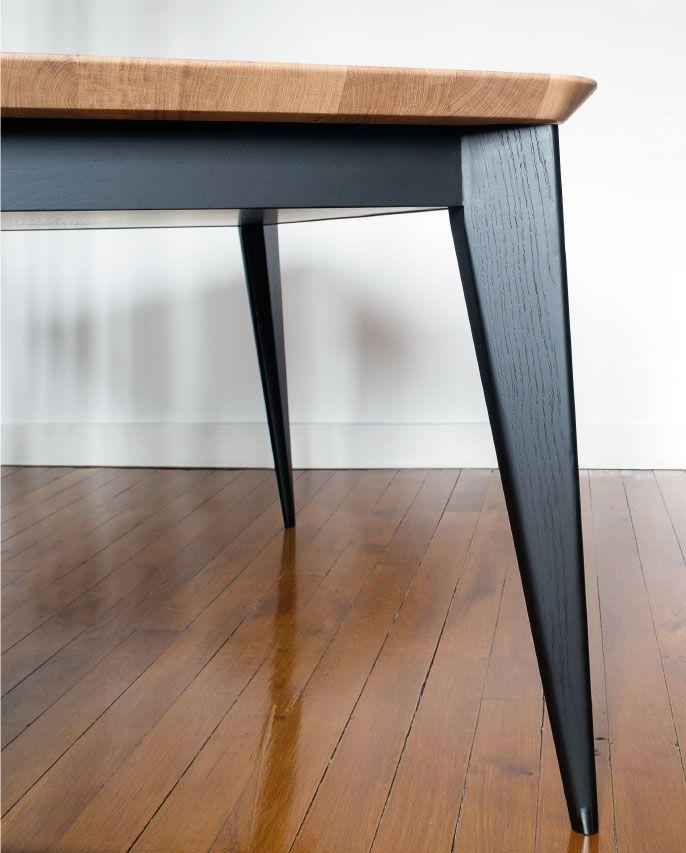 Table A Rallonge Pietement En Bois Peint Noir Au Design D Inspiration Jean Prouve Plateau A Chant A Mobilier De Salon Decoration Maison Agencement Interieur