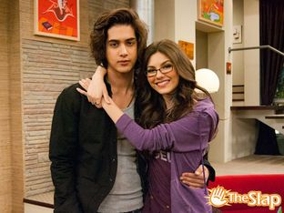 Tori and beck dating in victorious