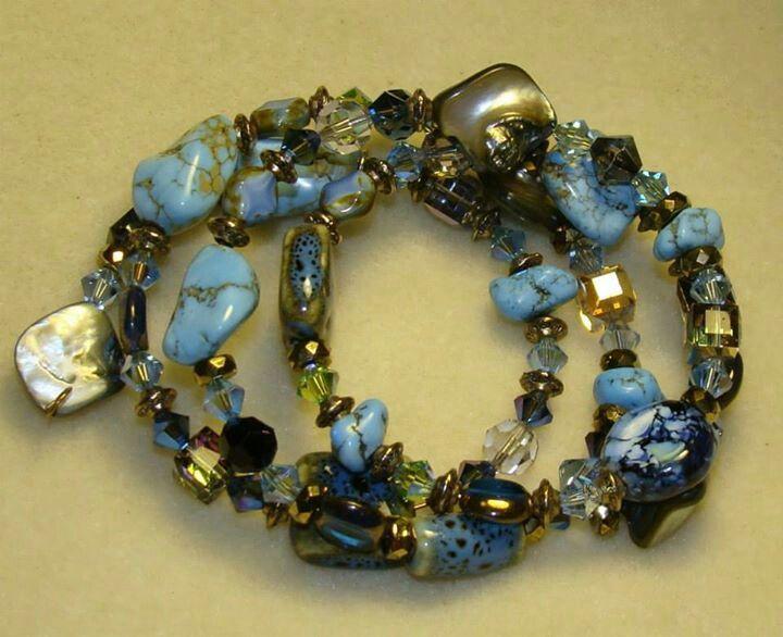 Turquoise blues & crystal memory bracelet