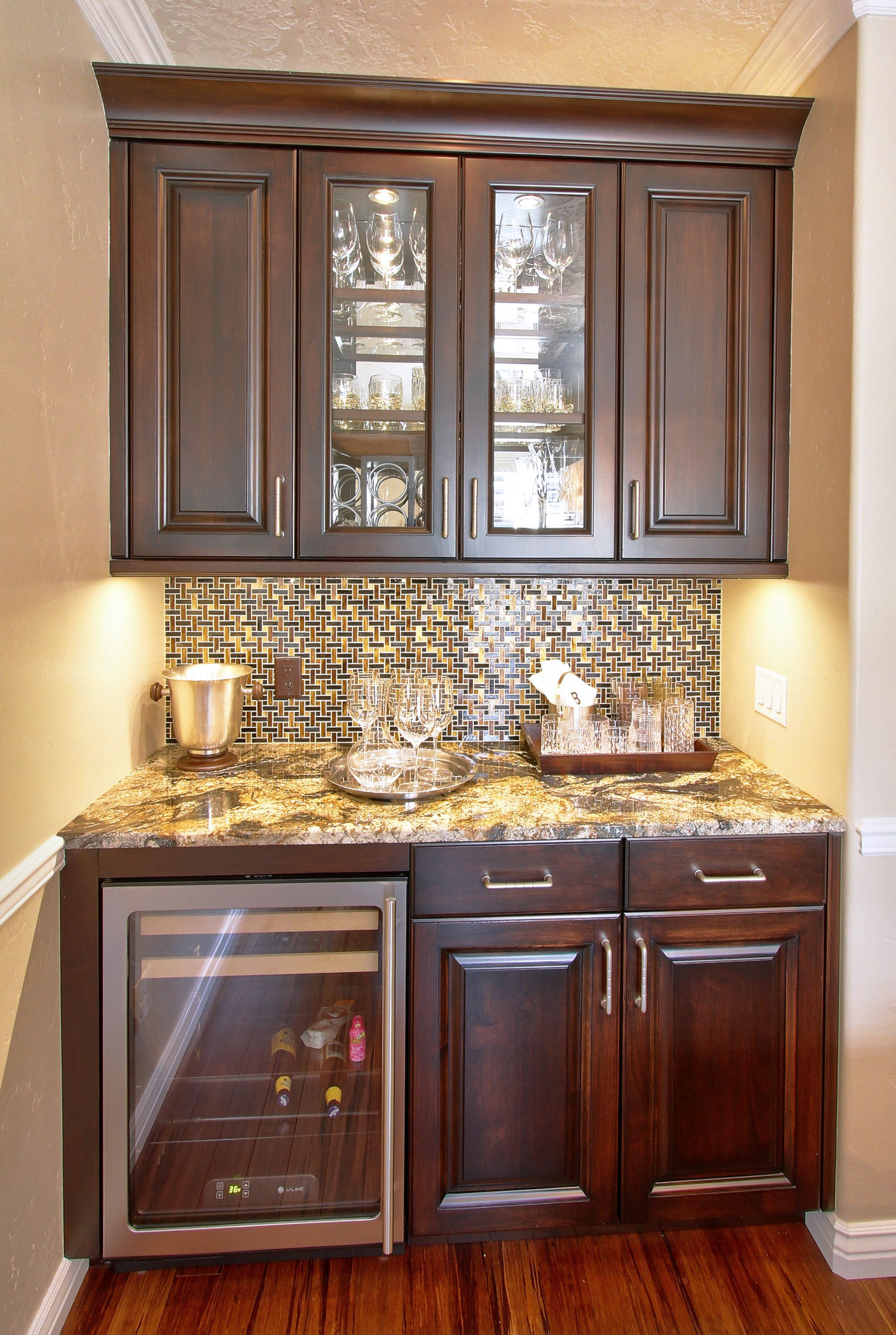 Small bar area with full height backsplash | Love this bar ...