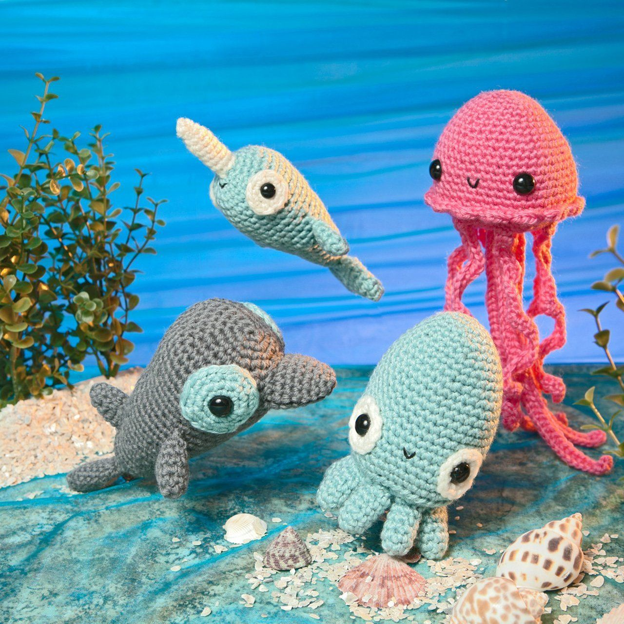 Fun and Easy Amigurumi: Crochet patterns to create your own dolls ... | 1280x1280