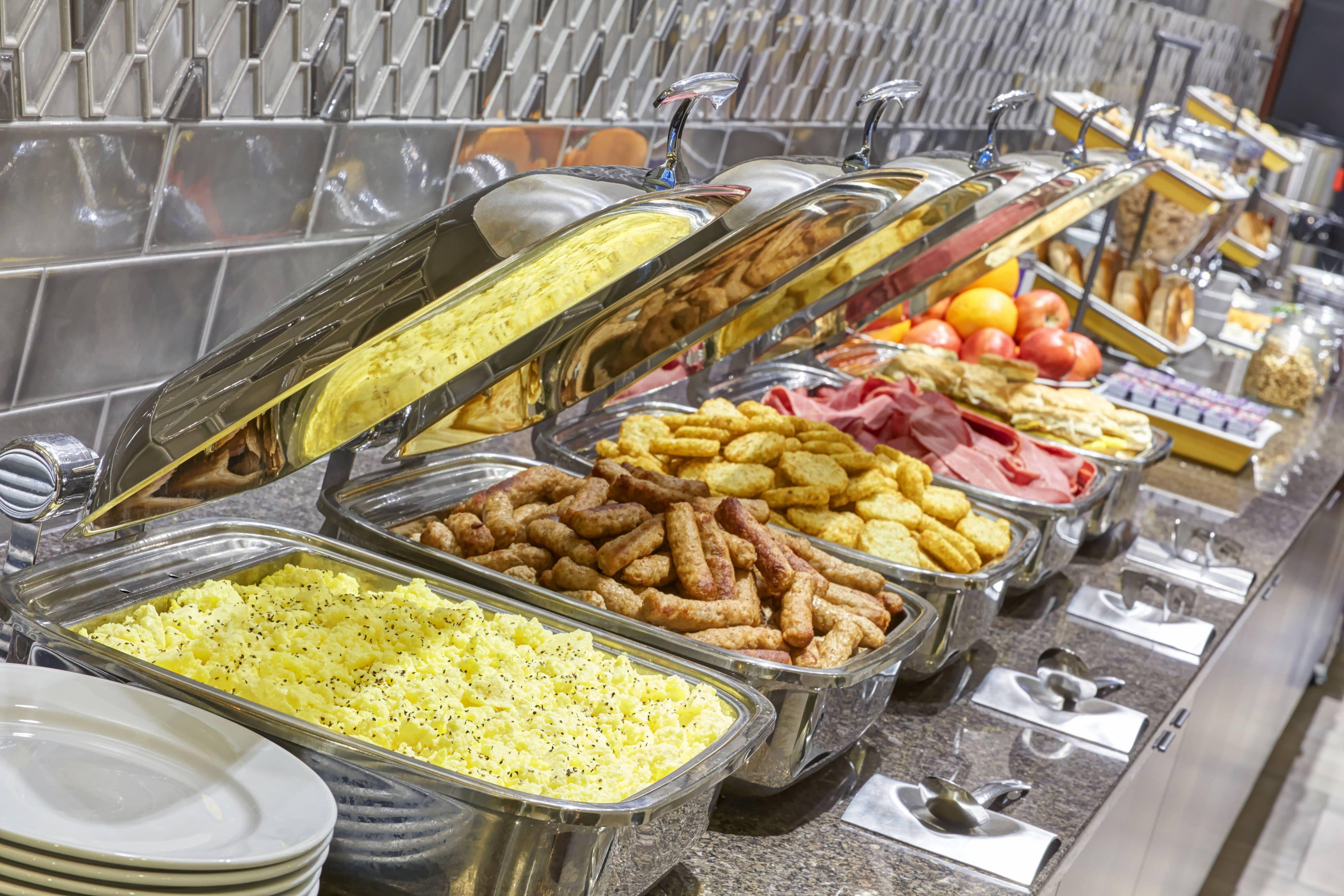 Residence Inn Milwaukee Downtown Breakfast Buffet Enjoying