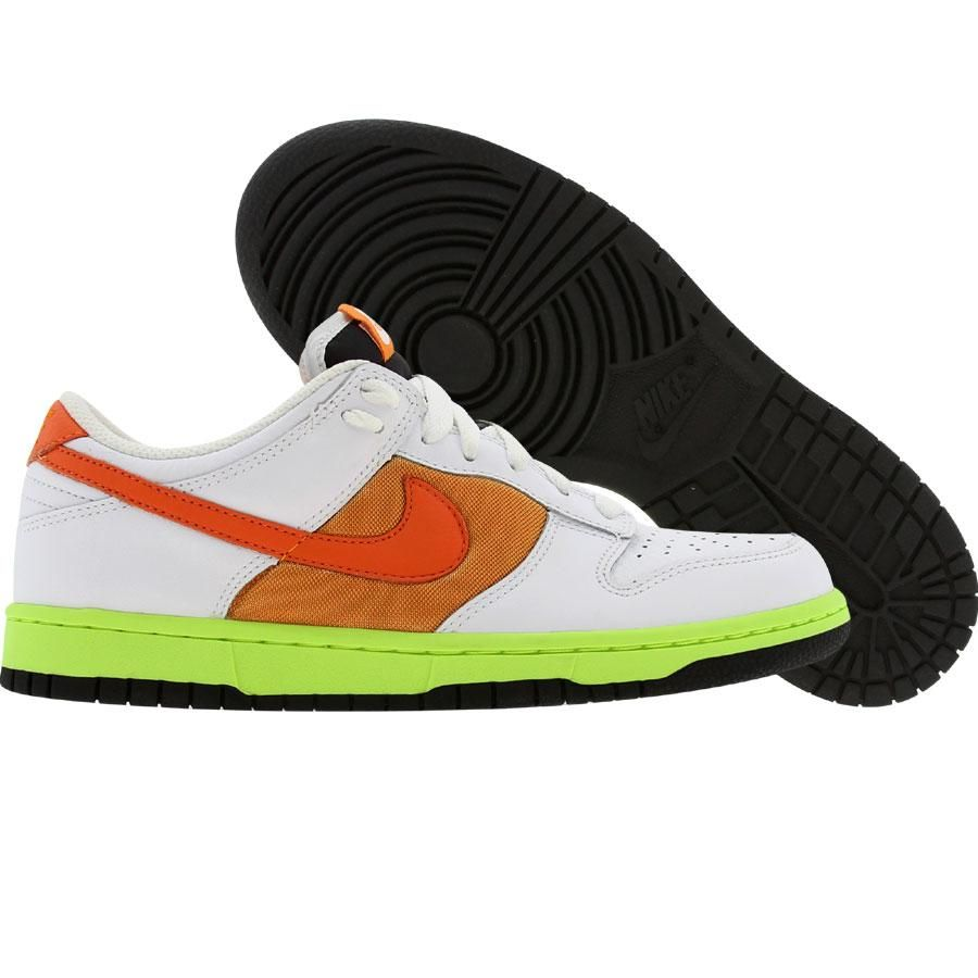 Nike Womens Dunk Low (white   orange blaze   shock orange) 317813-181 -   64.99 4018234e4f